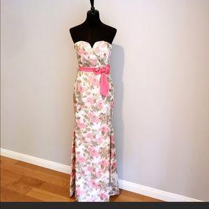 Stunning BADGLEY MISHKA DRESS